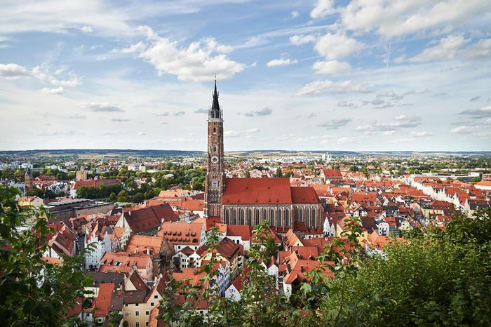 Landshut_front_magnific