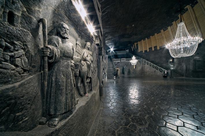 Quelle:http://www.presseportal.de,The biggest underground chapel in the world, chisseled in rock salt, Wieliczka Salt Mine, ph. by Ryszard Tatomir